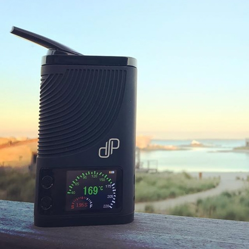 The Boundless CFX is a powerful vaporizer that heats up in just 20 seconds